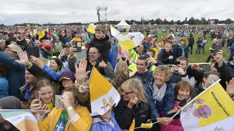 Enthusiastic faithful at the Mass at Phoenix Park