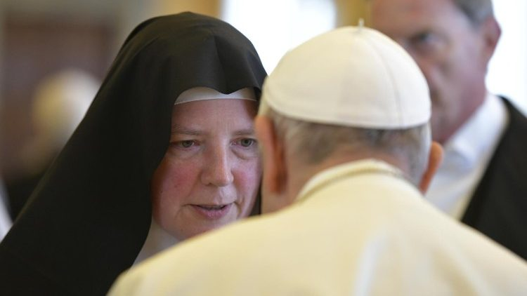 Pope Francis meets with Benedictine women