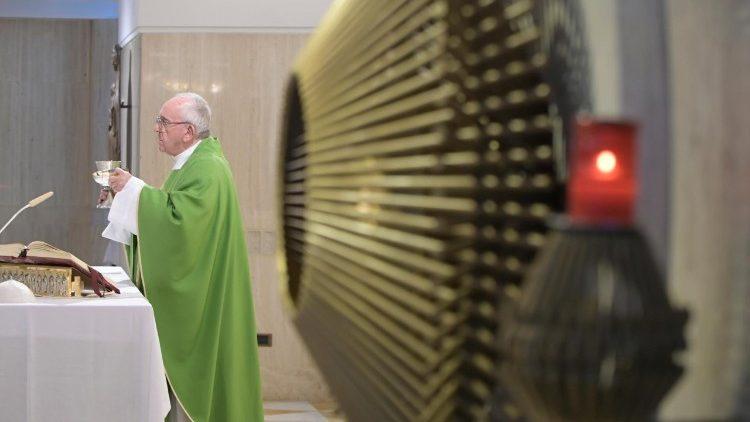 Papa: o pastor é humilde, deve seguir o exemplo de Jesus