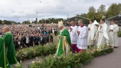 Pope Francis celebrates Mass in Kaunas, Lithuania