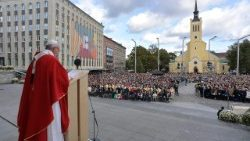 Pope at Mass in Freedom Square, Tallin, Estonia on September 25, 2018.