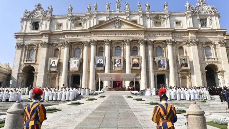Kościół ma 7 nowych świętych