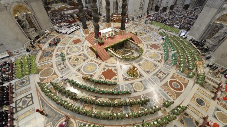 Messe de conclusion du synode sur les jeunes, la foi et le discernement vocationnel, dimanche 28 octobre 2018 en la basilique Saint-Pierre de Rome.