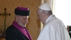 Pope prays for peace in Middle East with head of Assyrian Church