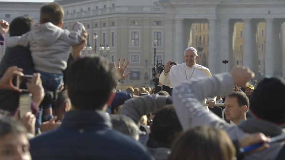 Papa em Audiência: a grande verdade é que Deus é Pai e Nele podemos confiar