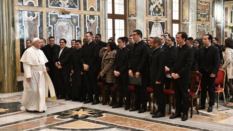 2018.11.15 Comunidad del Pontificio Colegio Pío Latinoamericano