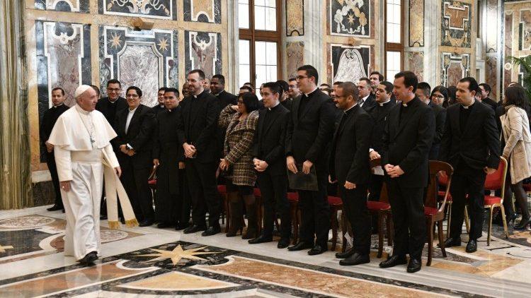 ĐGH tiếp Giáo Hoàng Học Viện Piô Mỹ châu la tinh