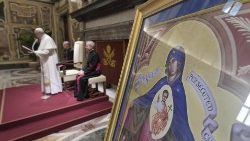 "Pope Francis with an icon of ""Our Lady, Help of Persecuted Christians"""