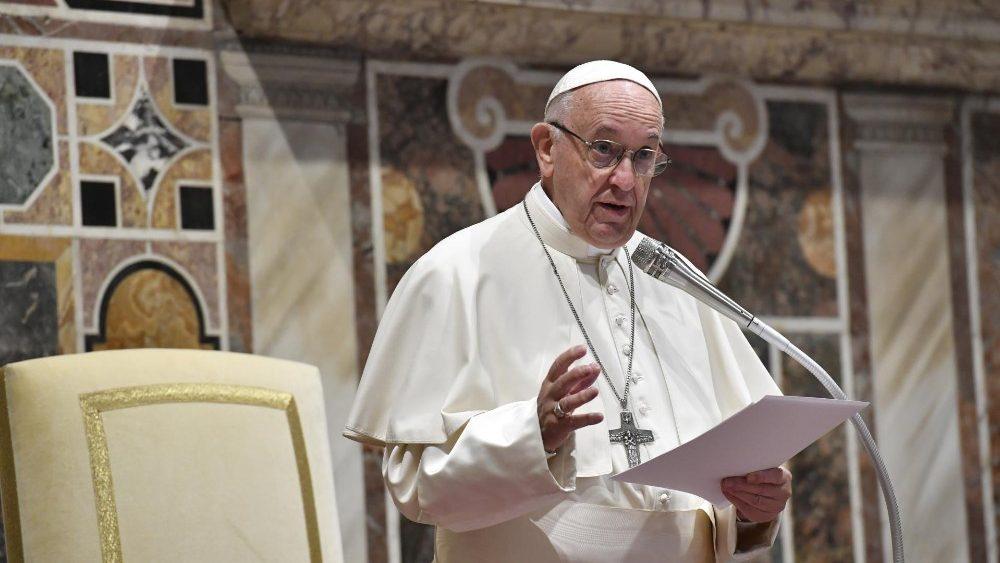Papa destaca que a piedade popular é o sistema imunitário da Igreja
