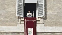 "Pope Francis at the Angelus, with a ""Candle for Peace in Syria"""