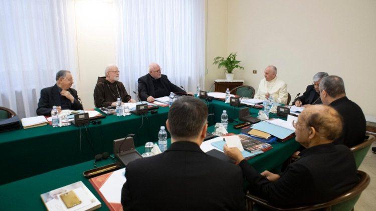 Các Hồng y cố vấn họp với ĐTC
