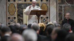 Papa a Corpo diplomatico: nazioni cerchino soluzioni comuni per non cadere nella sopraffazione