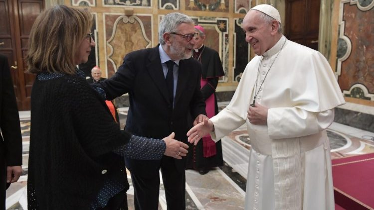 Pope Francis greets members of the Italian Academic Association of Church History