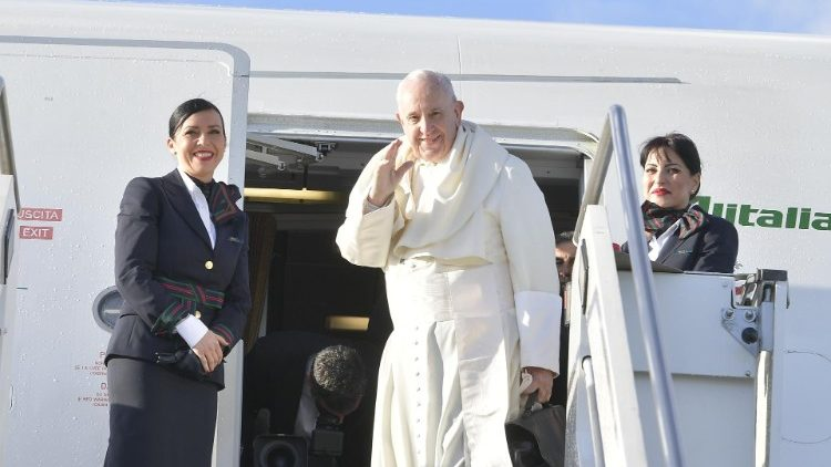 Pope Francis departs for Panama