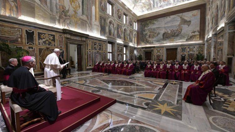Papa audiencia Rota Romana unidad fidelidad