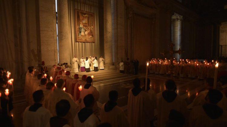 ĐTC dâng lễ Dâng Chúa trong Đền thờ