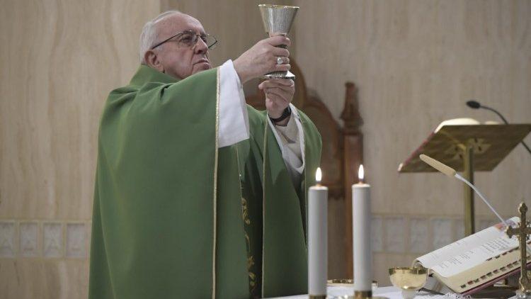 Đức Thánh Cha: Cuộc sống có giá trị khi biết trao ban