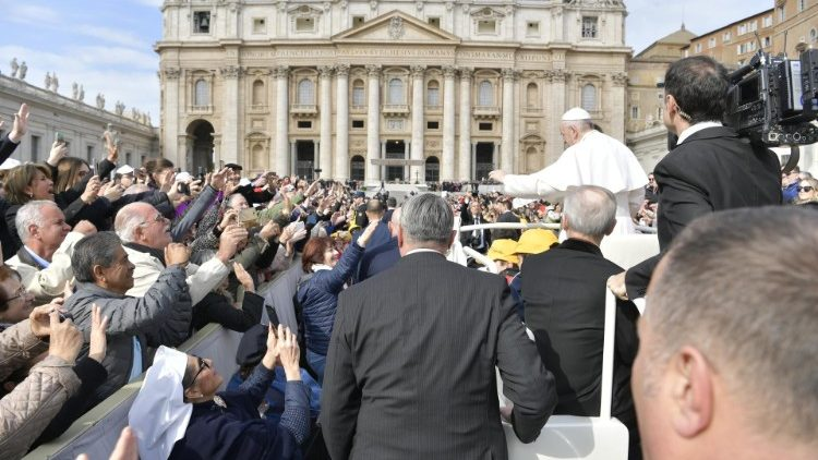 Pope at Audience: God seeks each one of us personally