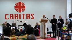 Papa en Marruecos: migrantes, una herida que clama al cielo