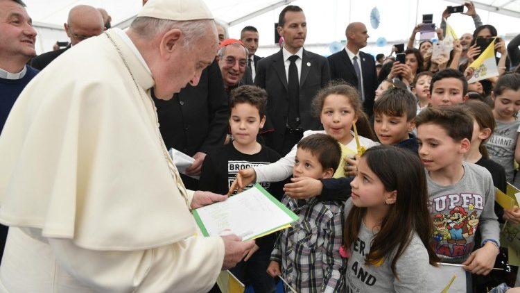 2019-04-07-visita-pastorale-parrocchia-san-gi-1554649141540.JPG