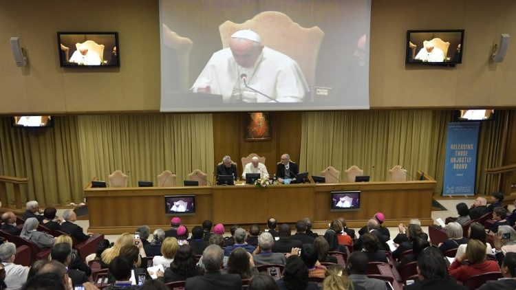 Pope Francis addresses International Conference on Trafficking