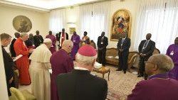 Il Papa, Welby e Chalmers ai leader del Sud Sudan: vicini ai vostri sforzi di pace