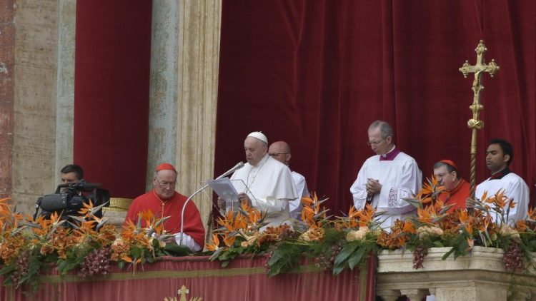 Pope Francis delivers his Easter Urbi et Orbi address