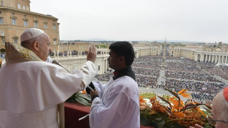 Pope Francis imparts his Apostolic Blessing at the Easter Urbi et Orbi