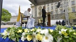 Pope Francis being welcomed in Bulgaria at Sofia's Atanas Burov Square  on May 5, 2019.