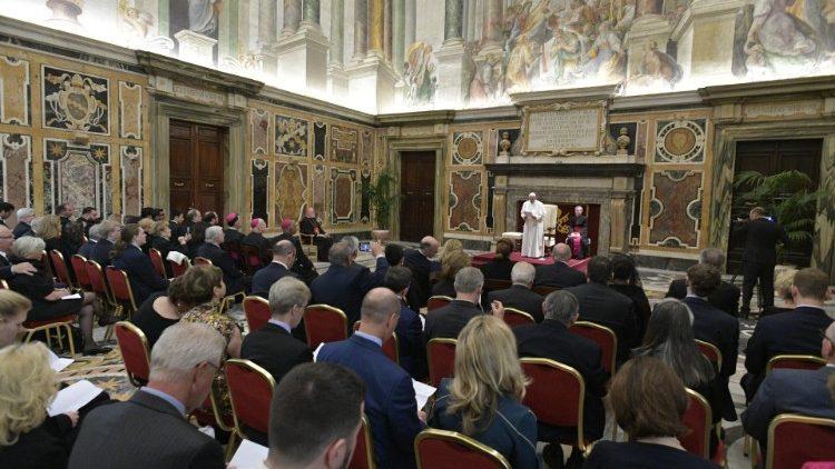 ĐTC Phanxicô gặp đại hội giáo phận Roma và các thành viên Quỹ Giáo Hoàng
