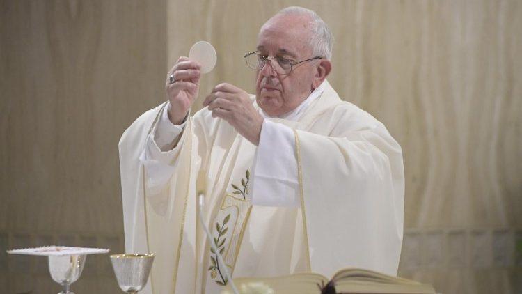 Messe à Ste-Marthe: recevoir la paix du Christ pour supporter les épreuves  Cq5dam.thumbnail.cropped.750.422