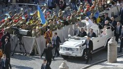 Pope Francis arrives for the Wednesday General Audience