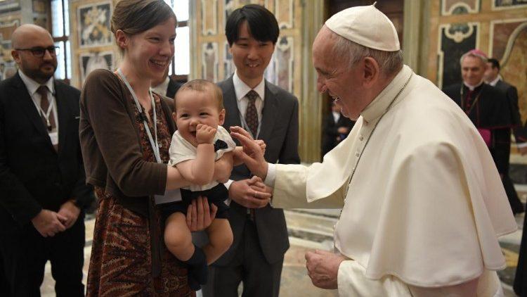 ✟Toute l'Actualité de notre Saint-Père le Pape François✟ - Page 10 Cq5dam.thumbnail.cropped.750.422
