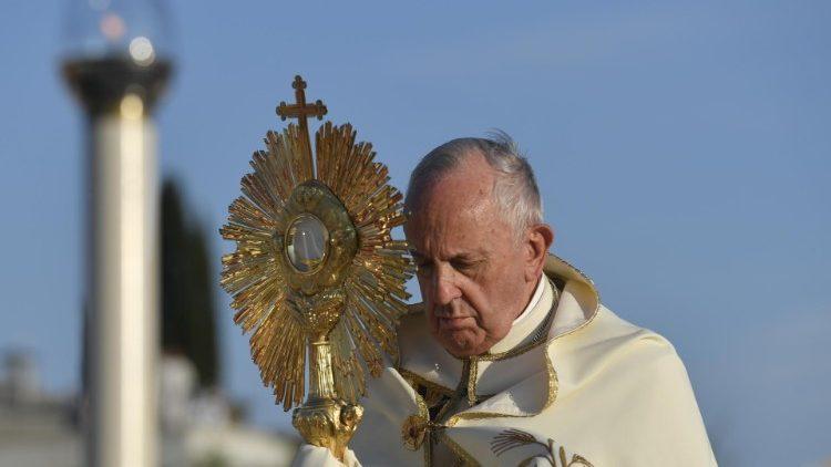 2019.06.23 Celebrazione Eucaristica nella Solennità del Corpus Domini Parrocchia Santa Maria Consolatrice a Casal Bertone