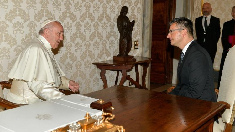 Pope Francis holding talks with Slovenian Prime Minister Marjan Sarec in the Vatican, June 27, 2019.