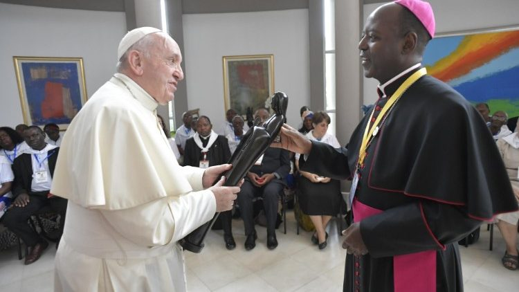 Pope Francis with the Xai-Xai diocese delegation in Maputo