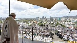 Pope Francis at Mass in Mauritius