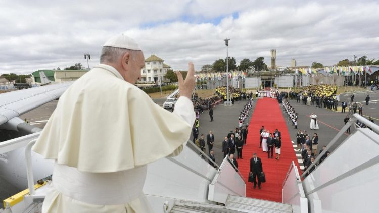 Pope Francis waves farewell to onlookers in Madagascar