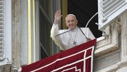 At the Angelus in St Peter's Square on Sunday, Pope Francis says that