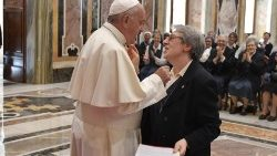 Pope Francis receives participants in the 11th General Chapter of the Daughters of St. Paul