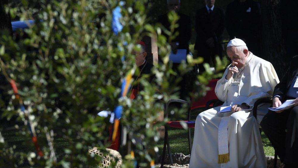 Papa: a criação geme, a pandemia é uma encruzilhada - Vatican News