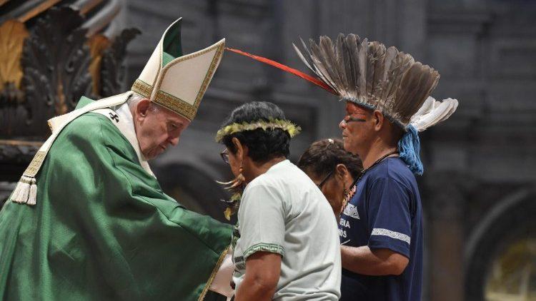 教皇フランシスコ、アマゾン周辺地域のための特別シノドス開会ミサで 2019年10月6日