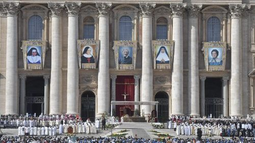 Messe de canonisations sur la place Saint-Pierre, le 13 octobre 2019.