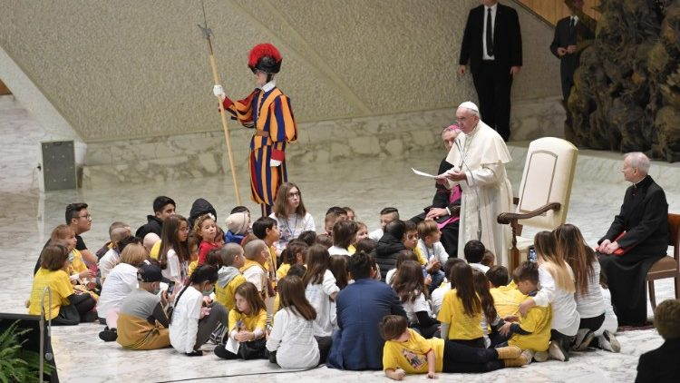 Pope to Bambino Gesu Children's Hospital: 'Blessed are the hands that heal' - Vatican News