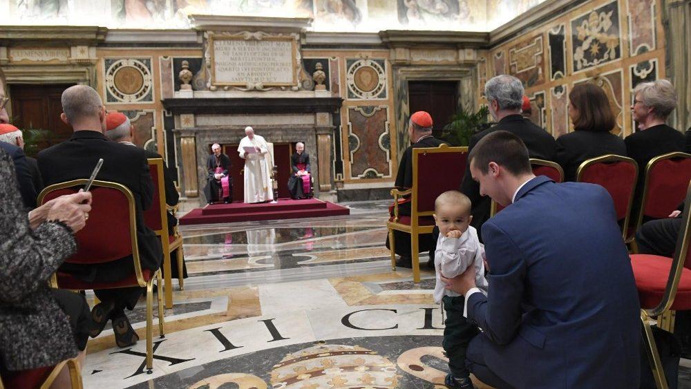 Papa y laicos