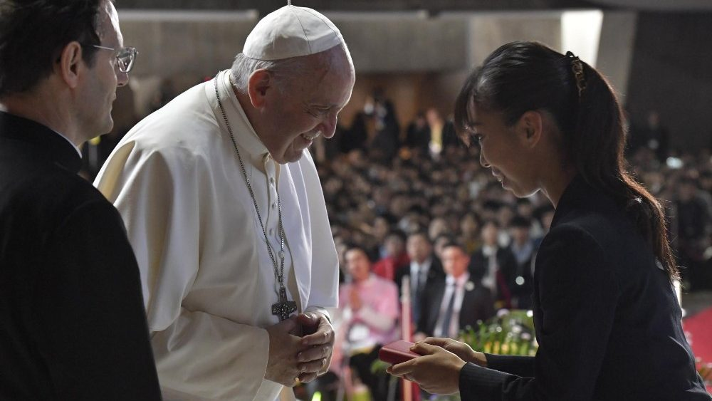 Pope Francis greets young people in Tokyo's Cathedral