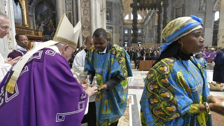 Pope Francis celebrates Mass with Rome's Congolese community