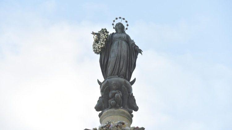 Imagen de la Inmaculada en Plaza España