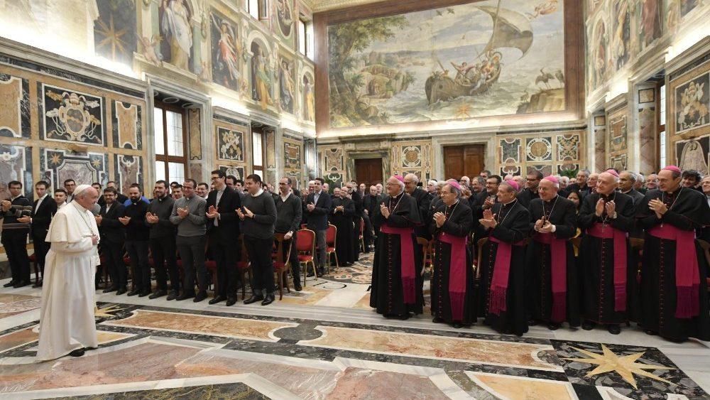 Francisco, con los seminaristas de Bolonia