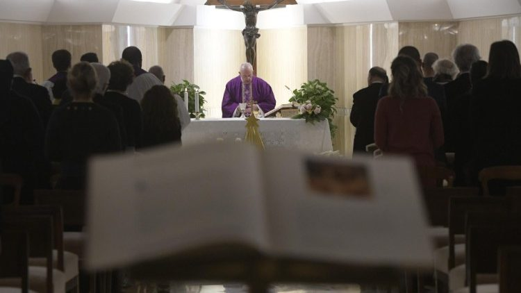 /content/dam/vaticannews/agenzie/images/srv/2019/12/19/2019-12-19-messa-santa-marta/1576737644600.JPG